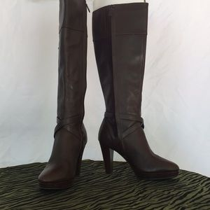 Brown leather Cole Haan boots